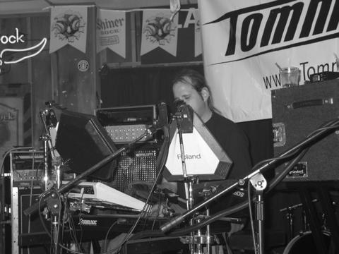 Tommy opens at Texas Bar and Grill 2-27-04